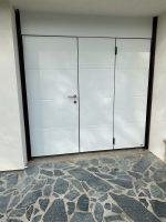 Porte de garage MOOS avec portillon | Agence de Brie-Comte-Robert