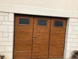 Porte de garage MOOS avec portillon | Agence de Chelles