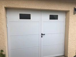 Porte de garage NOVOFERM avec portillon | Agence de Chelles